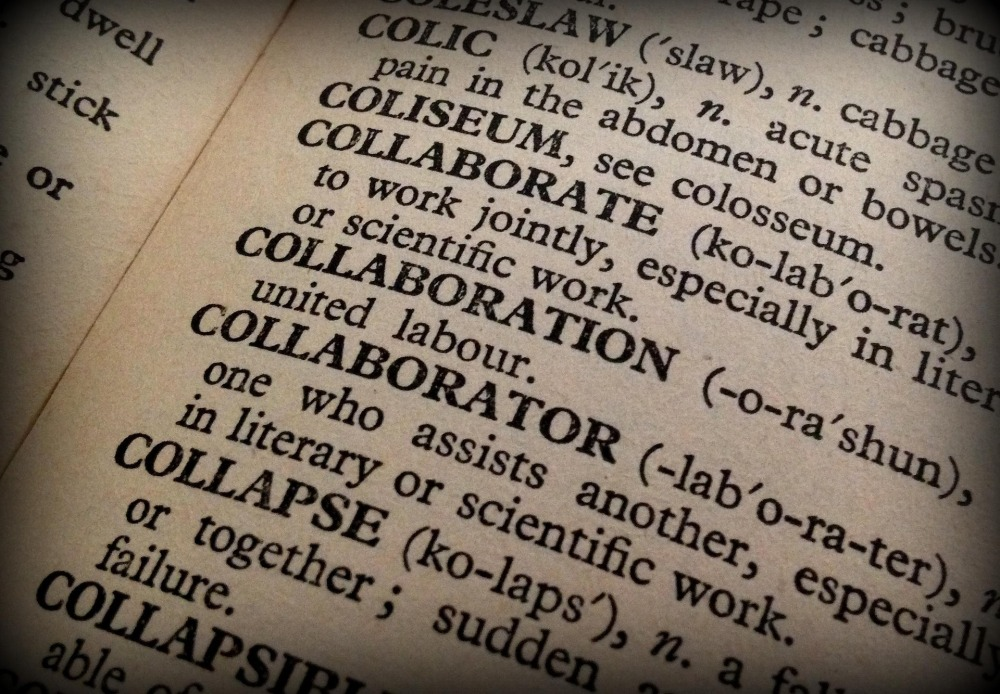 collaboration-1106196_1920.jpg